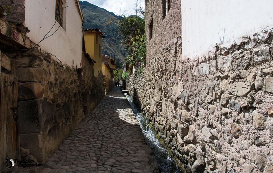 the street in ollantaytambo