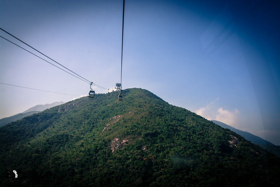 cable-car-to-the-big-buddha-thesolobackpaker-world