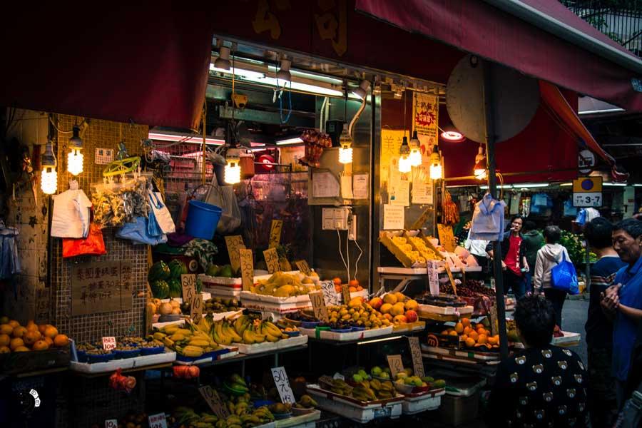 hong-kong-island-street-thesolobackpacker.world