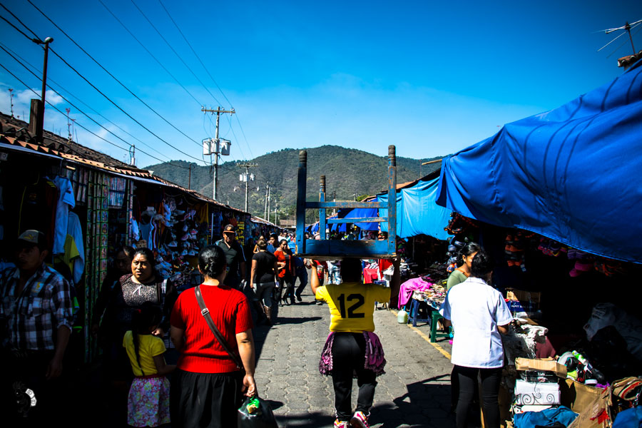 Street market in Antigua Guatemala backpacking itinerary